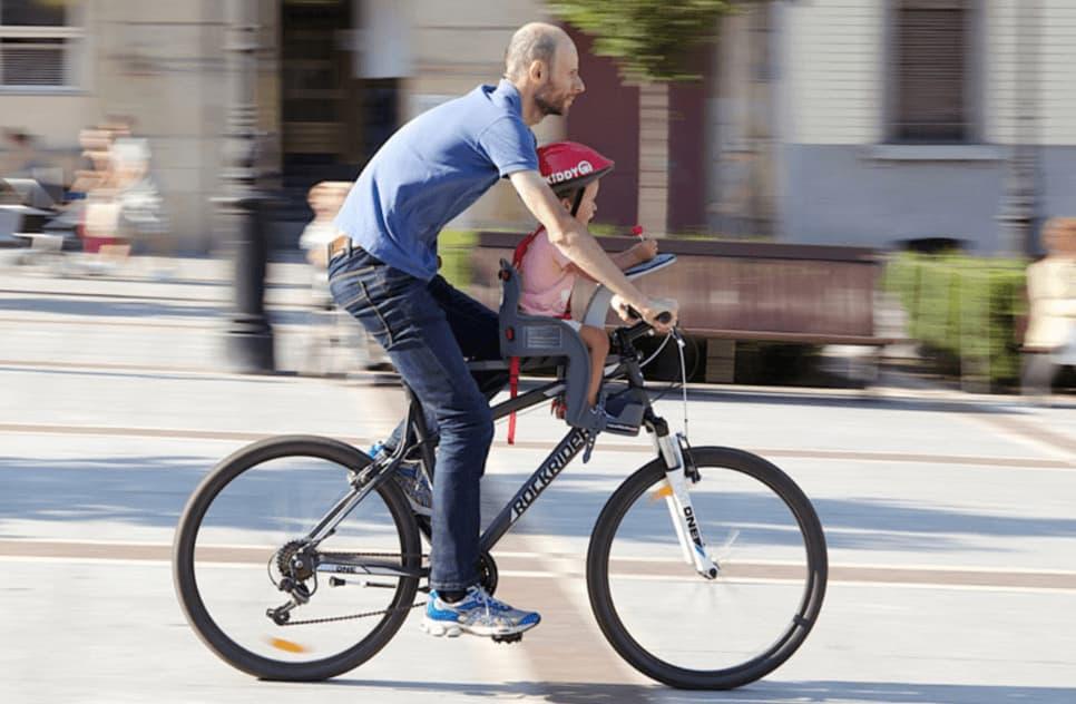 Prevenir daños en accidente de bicicleta con bebe